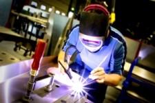IBGE: produção industrial recua 0,6% em maio