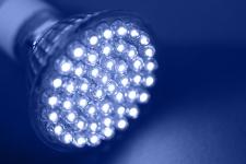 Inmetro regulamenta tecnologia de LED para lâmpadas e gera efeitos positivos ao setor industrial e comercial
