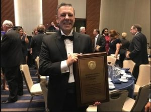 Engenheiro da Petrobras recebe prêmio internacional por uso pioneiro de plataformas do tipo FPSO (2)-min