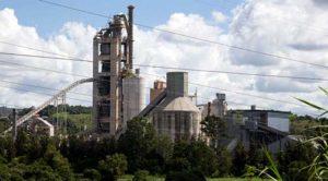 Produção industrial cresce 0,8% em outubro e tem terceira alta seguida