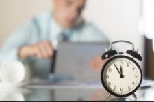 Hora Noturna Maior que a Prevista em Lei Pode Ser Compensada com Aumento do Adicional